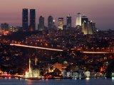 Istanbul - pohled na město v noci