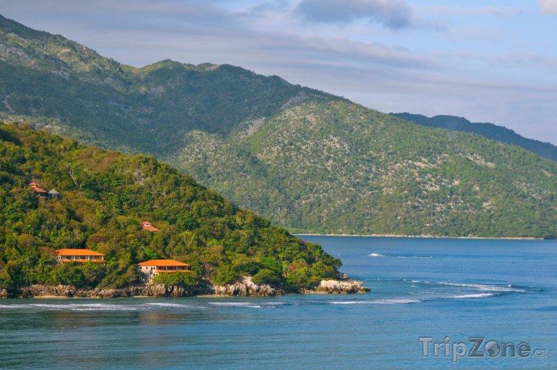 Fotka, Foto Klidné moře u pobřeží (Haiti)