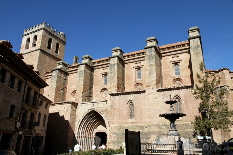 Fotka, Foto Kostel Santa Maria v Mora de Rubielos (Španělsko)