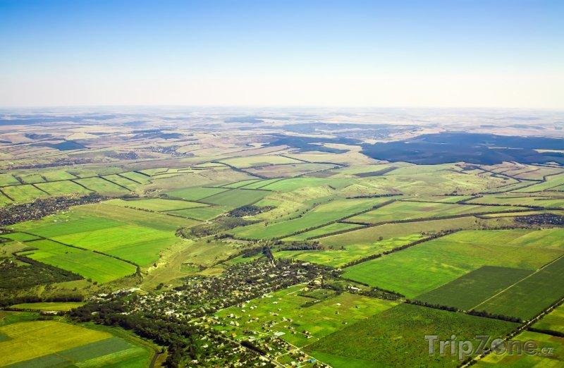 Fotka, Foto Krajina z ptačí perspektivy (Moldavsko)