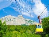 Lanovka na vrcholek Ai-Petri v Krymských horách