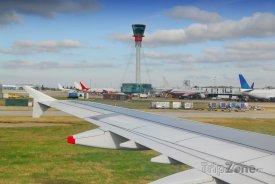 Letadla na letišti Heathrow v Londýně
