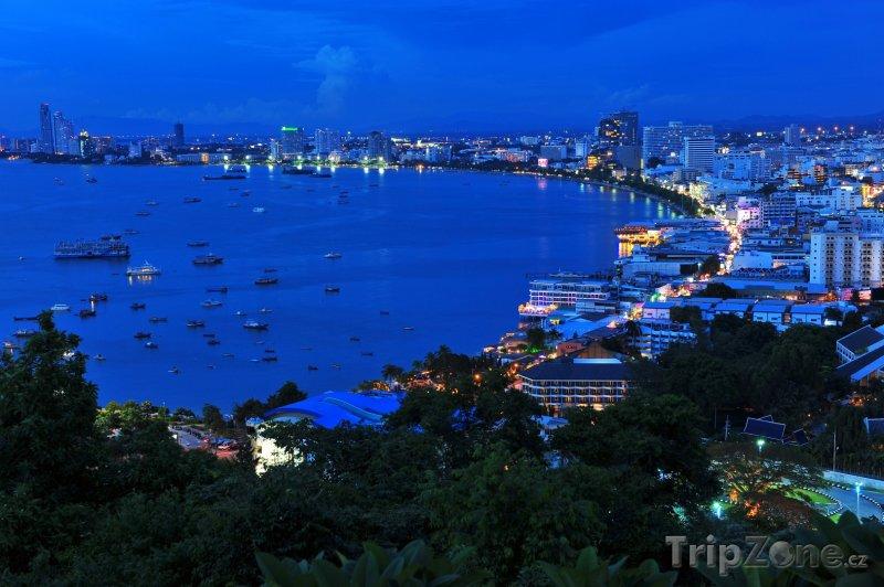 Fotka, Foto Letovisko Pattaya v noci (Thajsko)