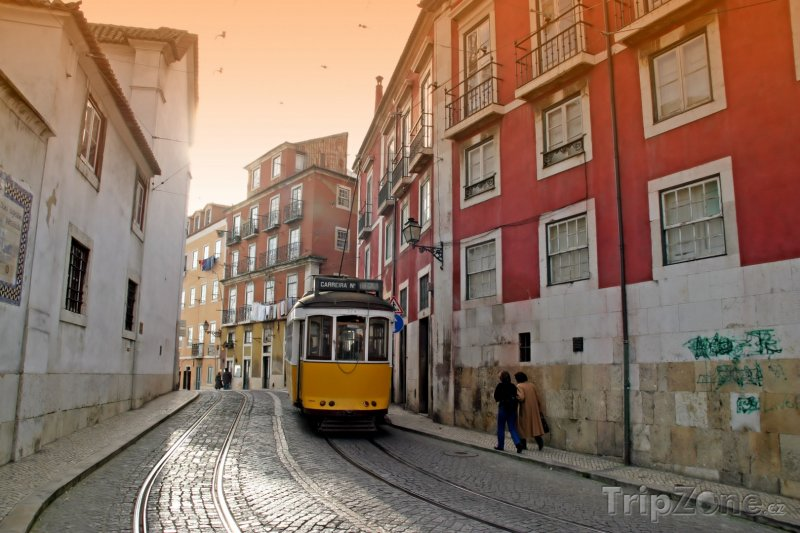 Fotka, Foto Lisabon - tramvaj ve městě (Portugalsko)