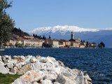 Město Salo na břehu Lago di Garda