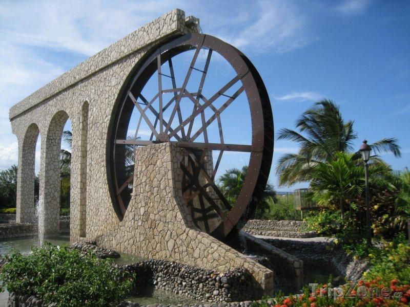 Fotka, Foto Montego Bay a vodní mlýn (Jamajka)