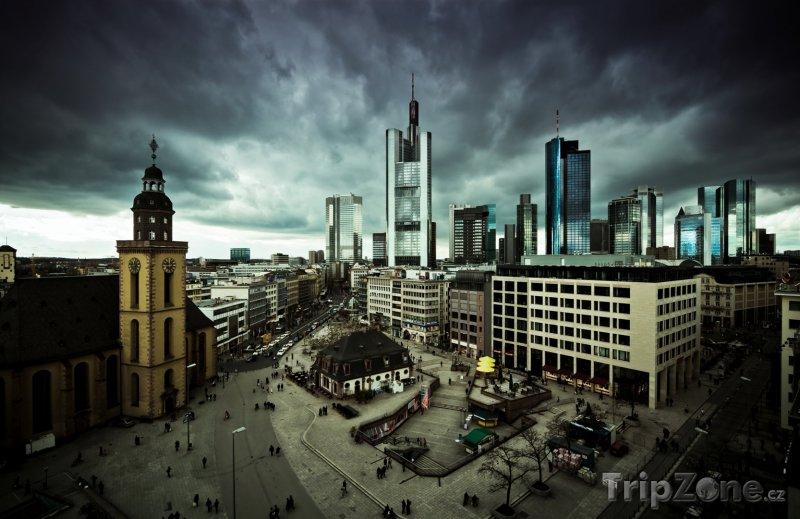Fotka, Foto Mraky nad Frankfurtem (Německo)