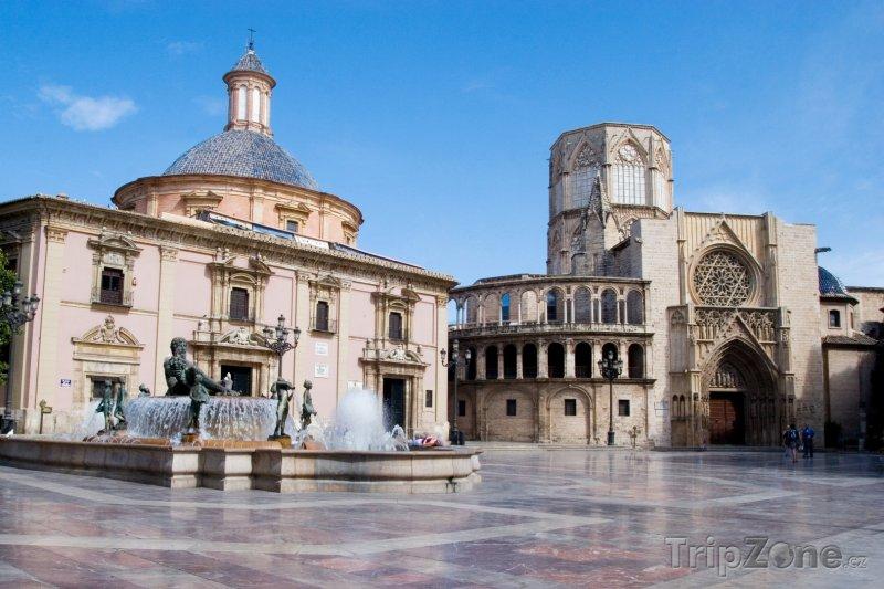 Fotka, Foto Náměstí ve Valencii (Španělsko)