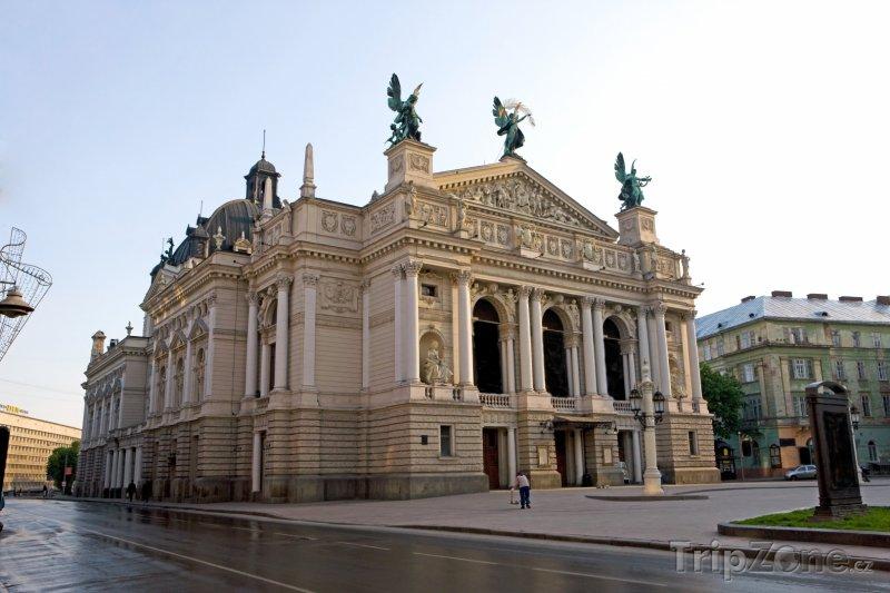 Fotka, Foto Národní akademické divadlo opery a baletu ve Lvovu (Ukrajina)