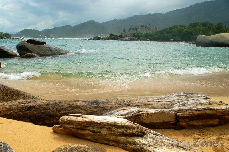 Fotka, Foto Národní park Tayrona, kameny na pobřeží (Kolumbie)