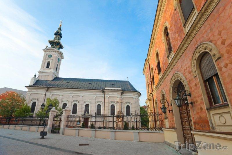 Fotka, Foto Novi Sad a katedrála svatého Jiří (Srbsko)