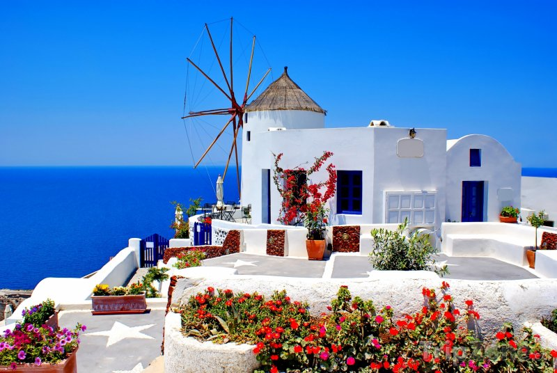 Fotka, Foto Ostrov Santorini, větrný mlýn v městečku Oia (Řecko)