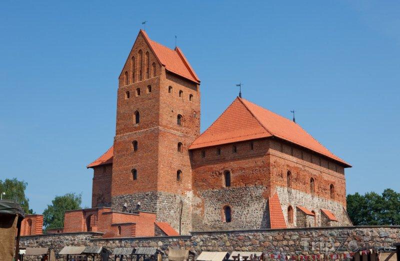 Fotka, Foto Ostrovní hrad Trakai na jezeře Galve (Litva)