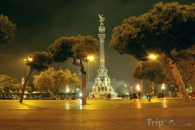 Fotka, Foto Památník Kryštofa Kolumba v noci (Barcelona, Španělsko)