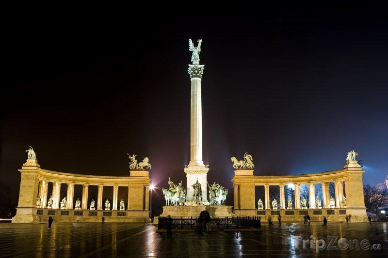 Fotka, Foto Památník Tisíciletí na náměstí Hrdinů (Budapešť, Maďarsko)