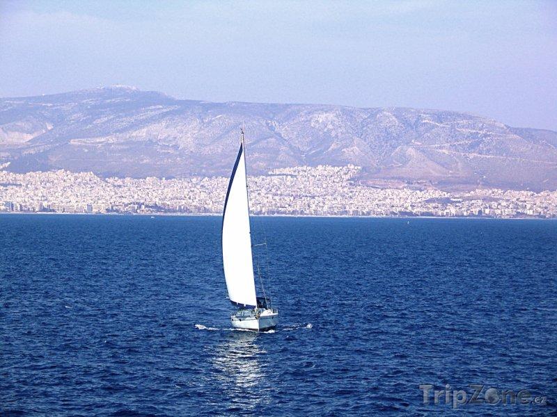 Fotka, Foto Plachtění při březích Pirea (Attika, Řecko)