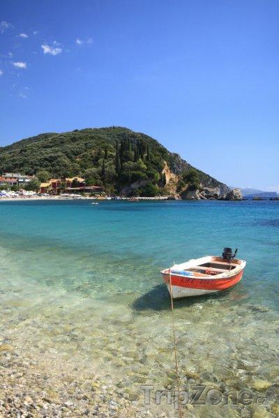 Fotka, Foto Pláž u města Parga (Řecko)