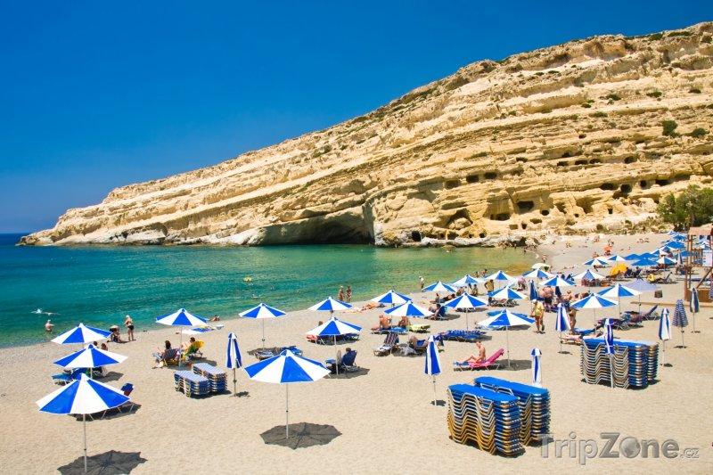 Fotka, Foto Pláž u vesnice Matala (Kréta, Řecko)