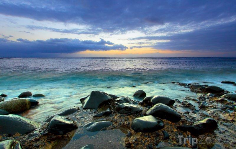 Fotka, Foto Pobřeží na Kanárských ostrovech (Kanárské ostrovy, Španělsko)