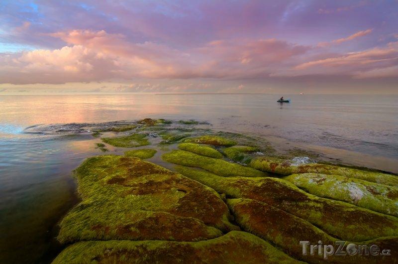 Fotka, Foto Podvečerní pohled na hladinu Baltského moře (Estonsko)