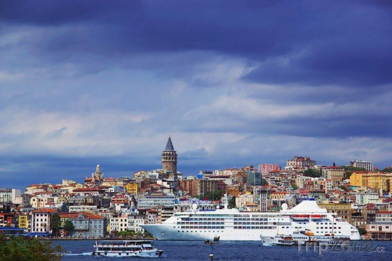 Fotka, Foto Pohled na istanbulskou čtvrť Bosphorus (Turecko)