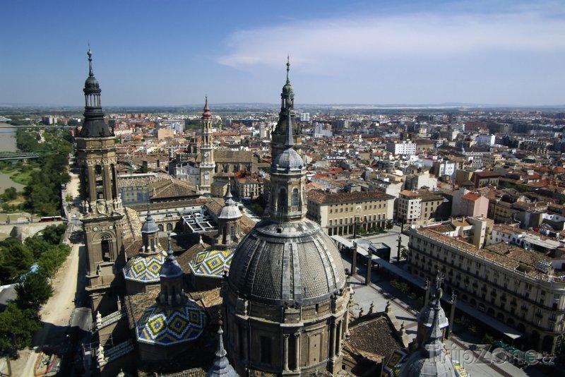 Fotka, Foto Pohled na Zaragozu (Španělsko)