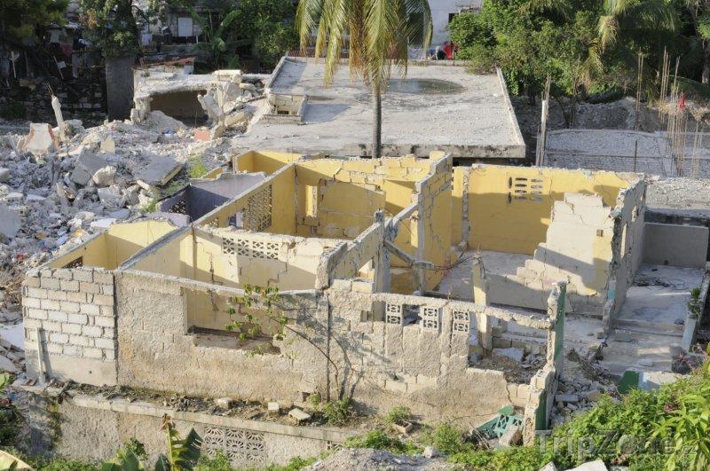 Fotka, Foto Port au Prince po zemětřesení (Haiti)