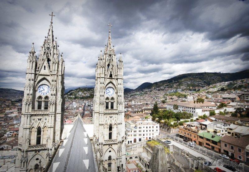 Fotka, Foto Quito, Basilica del Voto Nacional (Ekvádor)