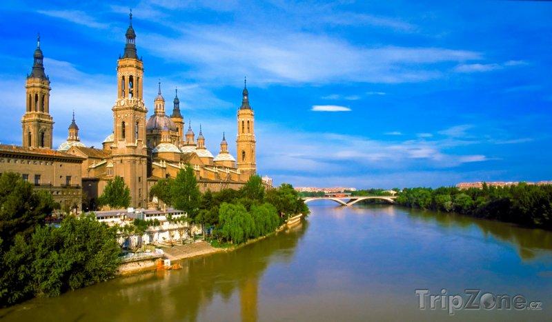 Fotka, Foto Řeka Ebro v Zaragoze (Španělsko)