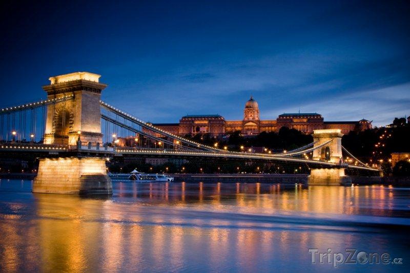 Fotka, Foto Řetězový most v noci (Budapešť, Maďarsko)