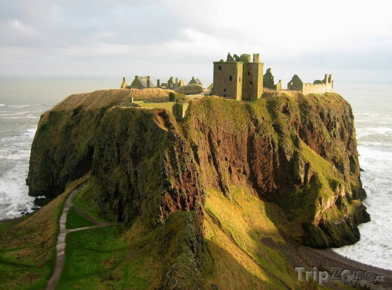 Fotka, Foto Ruiny hradu Dunnotar ve Skotsku (Velká Británie)