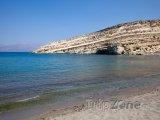Skála s jeskyněmi v Matale na Krétě