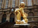 Socha lva před radnicí v Kasselu