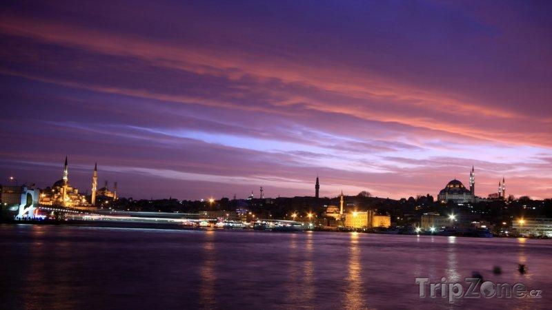 Fotka, Foto Stmívání nad Istanbulem (Turecko)