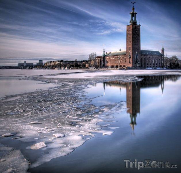 Fotka, Foto Stockholmská radnice v zimě (Stockholm, Švédsko)