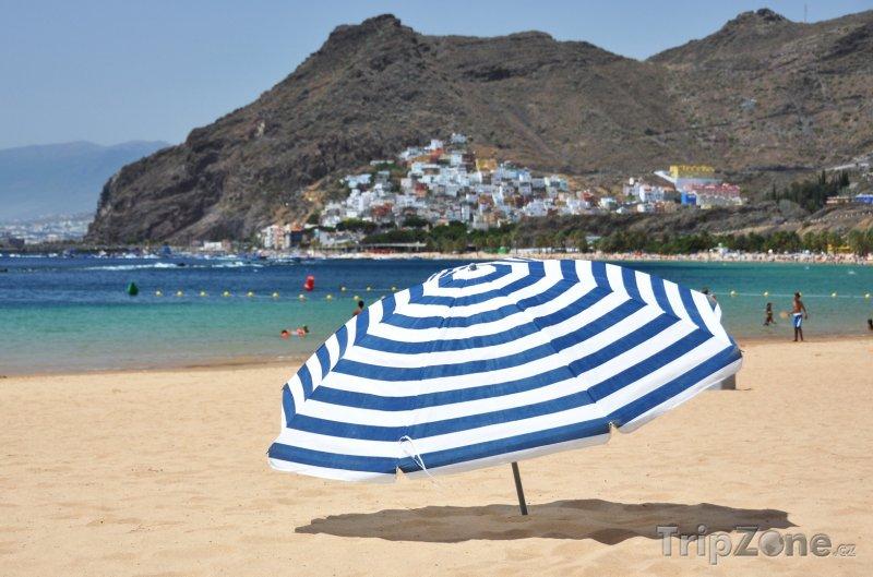 Fotka, Foto Tenerife - pláž Teresitas (Kanárské ostrovy, Španělsko)