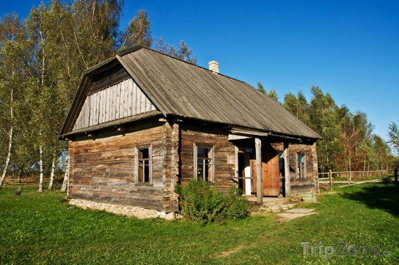 Fotka, Foto Tradiční vesnická chalupa (Bělorusko)