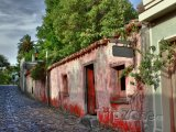 Ulička ve městě Colonia del Sacramento
