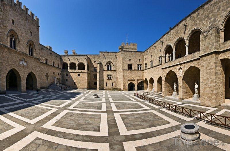 Fotka, Foto Velmistrův palác ve městě Rhodos (Rhodos, Řecko)