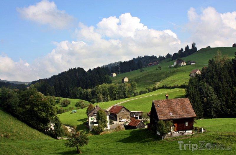 Fotka, Foto Venkov s tradičními chaloupkami (Švýcarsko)