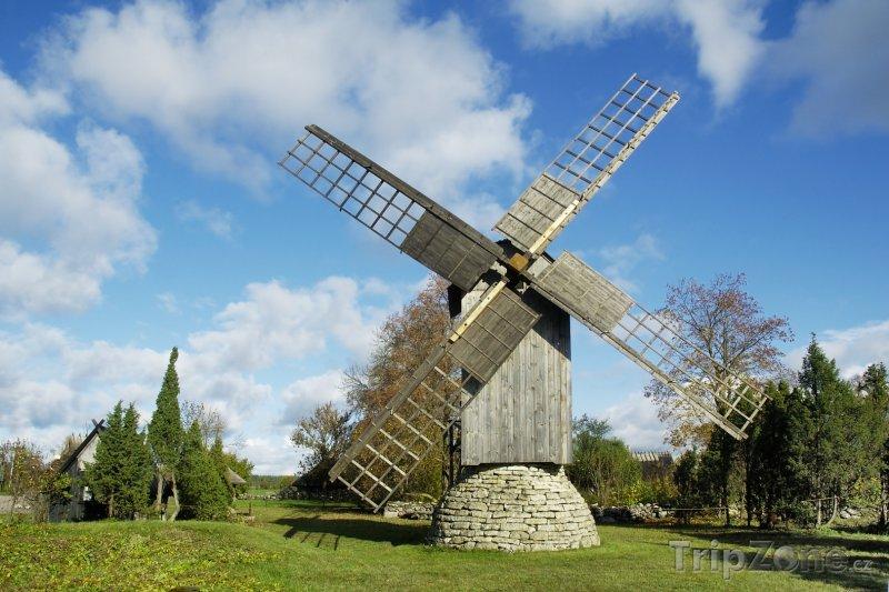 Fotka, Foto Větrný mlýn na ostrově Saaremaa (Estonsko)