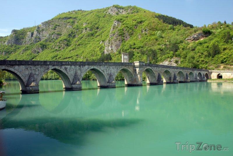 Fotka, Foto Višegrad, most Mehmeda Paši Sokoloviće přes Drinu (Bosna a Hercegovina)