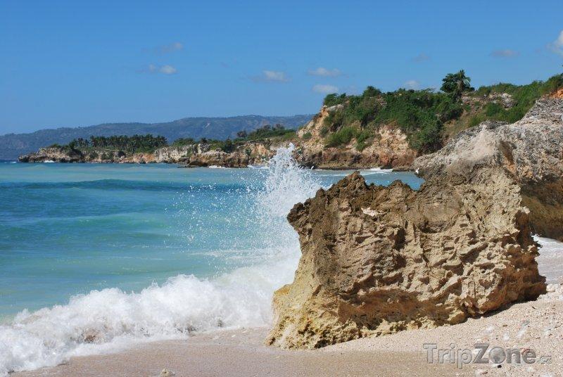 Fotka, Foto Vlnobití na plážičce (Haiti)