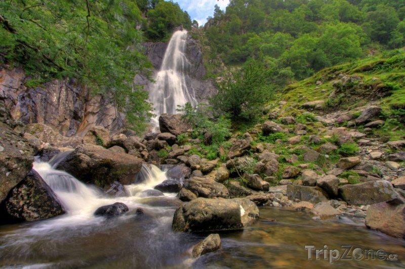 Fotka, Foto Vodopád Aber - národní park Snowdonia ve Walesu (Velká Británie)
