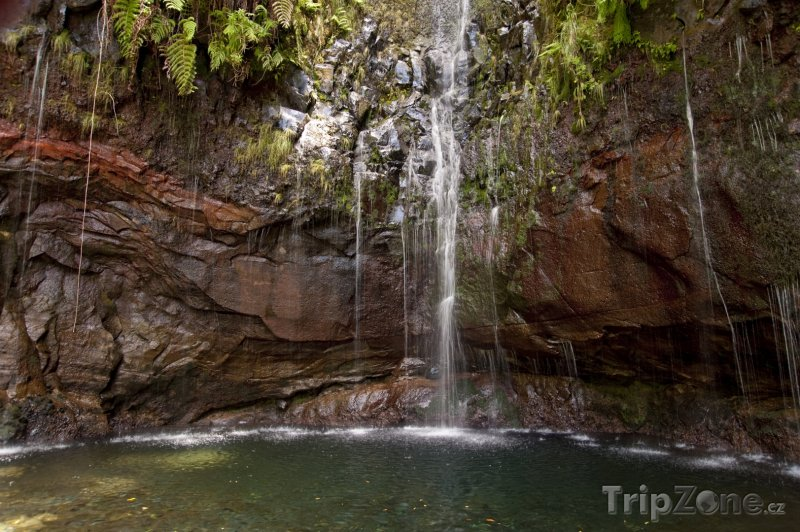 Fotka, Foto Vodopád na ostrově Madeira (Madeira, Portugalsko)