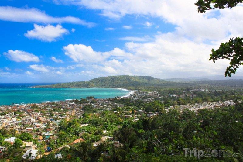 Fotka, Foto Výhled na město Baracoa v provincii Guantánamo (Kuba)