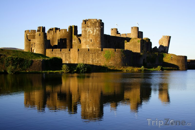 Fotka, Foto Wales - hrad Caerphilly (Velká Británie)