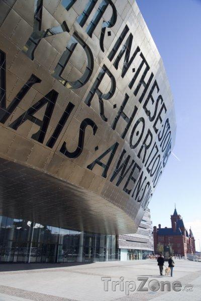 Fotka, Foto Wales Millennium Centre - umělecké centrum v Cardiffu (Velká Británie)