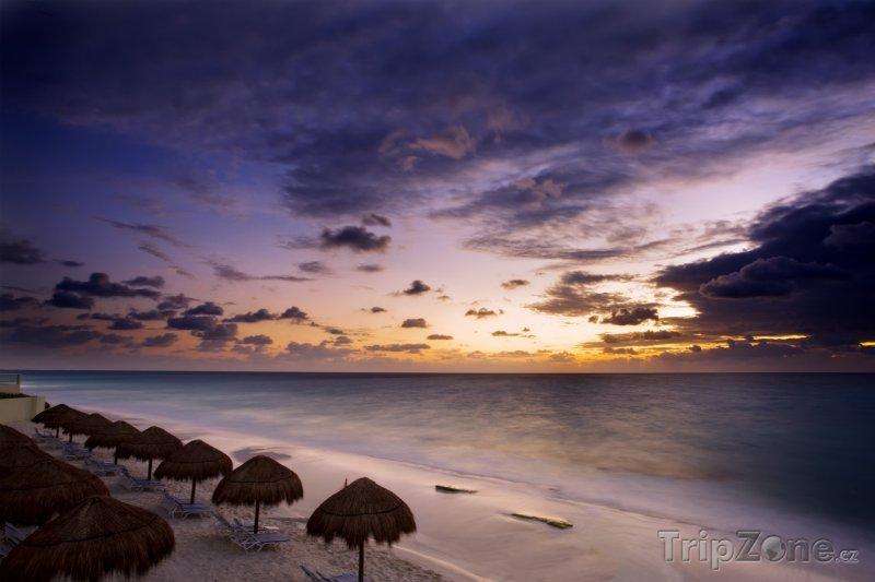 Fotka, Foto Yukatán, stát Quintana Roo - Cancún, pláž (Mexiko)