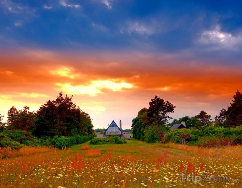 Fotka, Foto Západ slunce na dánském venkově (Dánsko)